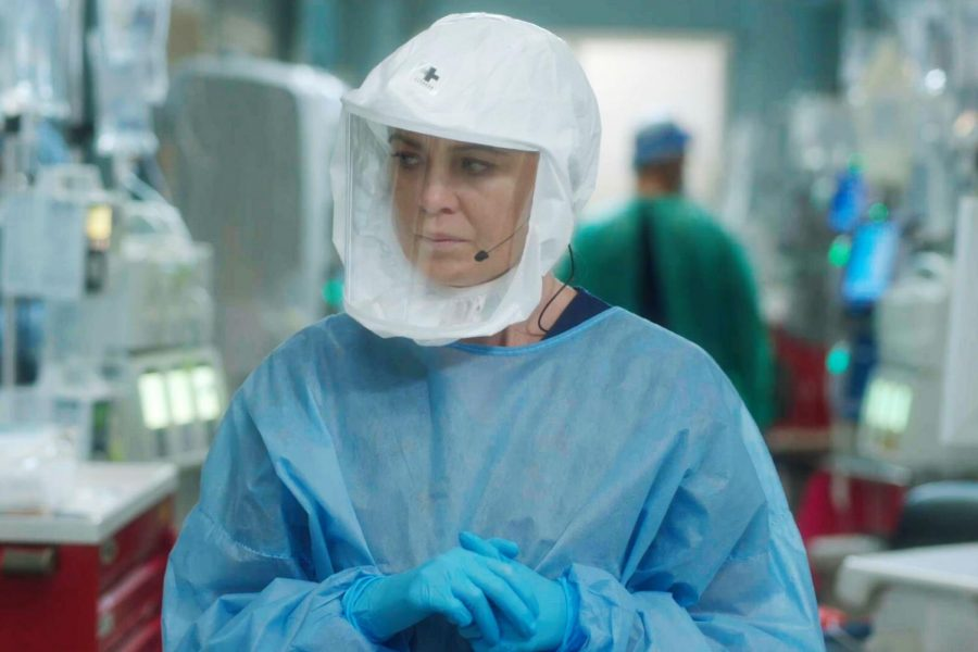 Actress+Ellen+Pompeo+who+plays+leading+role+Meredith+Grey+dressed+in+full+PPE+while+filming+Greys+Anatomy.